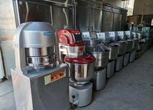 哈市回收二手烘焙设备,蛋糕房面包机起酥机,操作台展柜